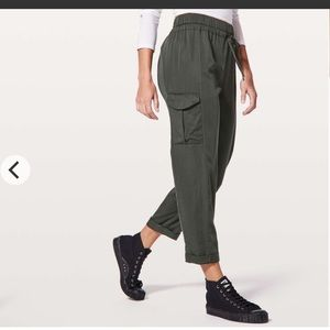 Lululemon move lightly pants 25